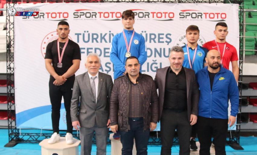 Çatalca Belediyesi Güreş Takımı'ndan Yıldıray Pala Türkiye 2.'si oldu