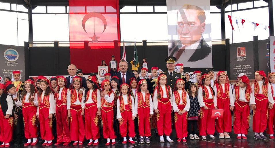 """Büyükçekmece'de 23 Nisan Coşkusu… """"Başkan Akgün'den Alternatif Tören"""""""