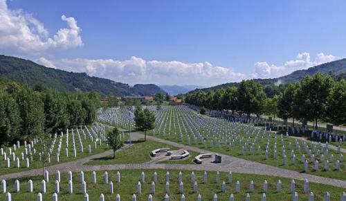 Srebrenitsa'da ne oldu? Kapanmayan yara Srebrenitsa…Srebrenitsa katliamı