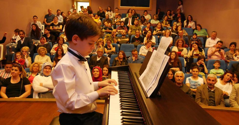 Büyükçekmece'de Halk Akademisi Sahne Sanatları Kursları başlıyor!