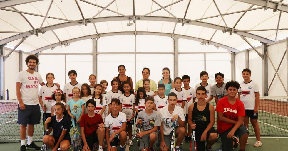 Büyükçekmece Belediyesi geleceğin şampiyon tenisçilerini yetiştiriyor