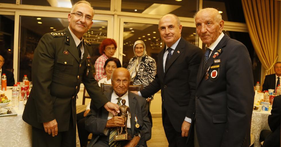 Başkan Akgün: Gazilerimiz, şanlı tarihimizin ebedi kahramanlarıdır!