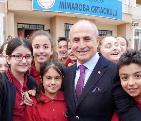 """Başkan Akgün: """"Çağdaş bir geleceğe açılan kapının anahtarı eğitimdir"""""""
