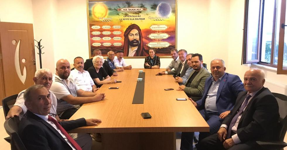 Başkan Mesut Üner Cem Evi'nde Muharrem ayı dolayısıyla düzenlenen iftara katıldı…