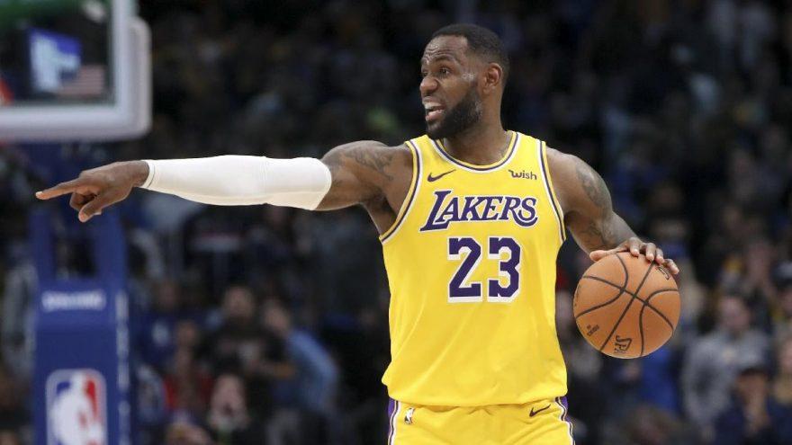 LeBron James adını NBA tarihine bir kez daha yazdırdı!