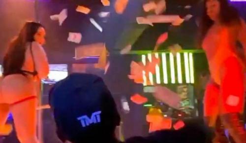 Floyd Mayweather ringlere eğlenerek hazırlanıyor… Tomar tomar para saçtı!