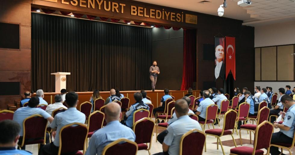 ESENYURT'TA ZABITALARA STRES EĞİTİMİ