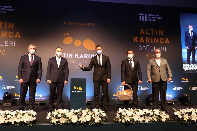 """SİLİVRİ BELEDİYESİ """"ALTIN KARINCA"""" ÖDÜLÜ ALDI"""