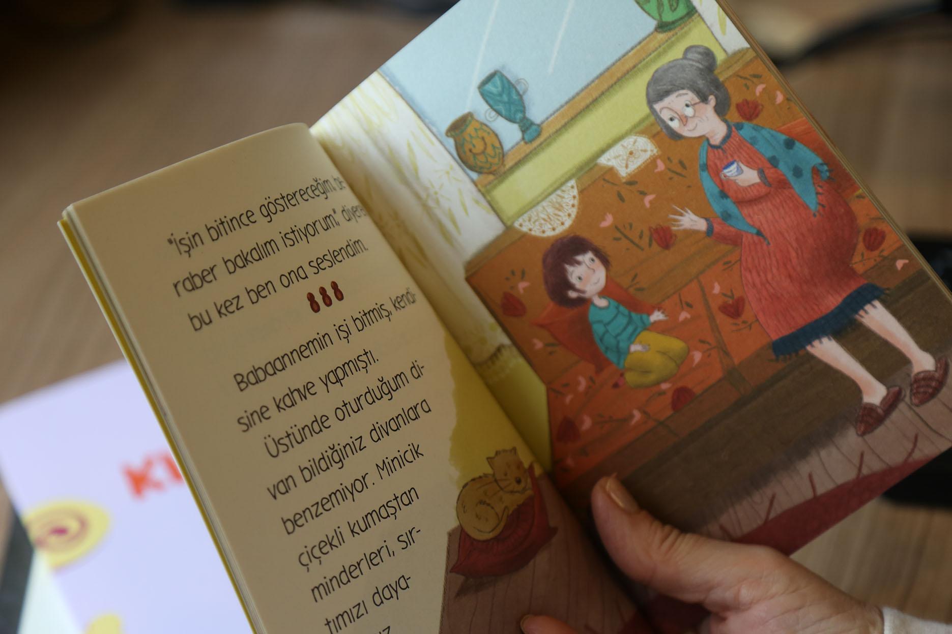 KİTAP OKUYARAK GÖRME ENGELLİLERİN GÖZÜ VE KULAĞI OLABİLİRSİNİZ