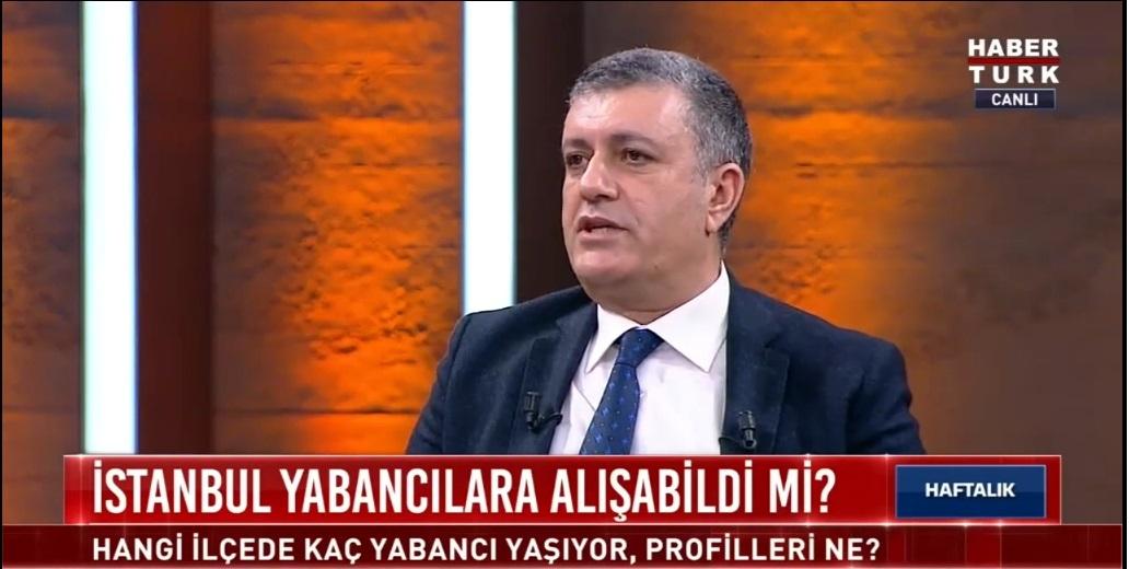 BAŞKAN BOZKURT, HABERTÜRK TV YAYININDA 'GÖÇMENLERE İKAMET YASAĞI' KARARINI DEĞERLENDİRDİ