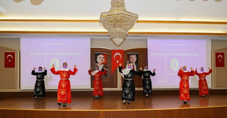 ESENYURT BELEDİYESİ'NİN İNCİLERİNDEN 8 MART'A ÖZEL GÖSTERİ